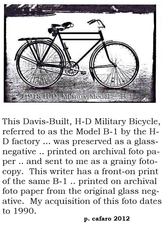 1918 H-D factory fotos .. top .. Model B-1 Military .. bottom .. Model 4-18 Motorcyke  001 aa.jpg