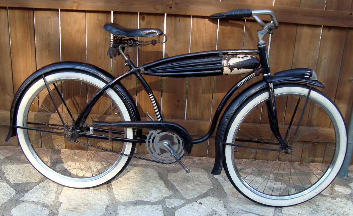 1938 Robin - Black OG.jpg
