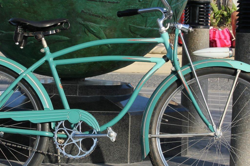 1941 Schwinn DX - Chicago Cycle Supply CLOSE-UP.jpg