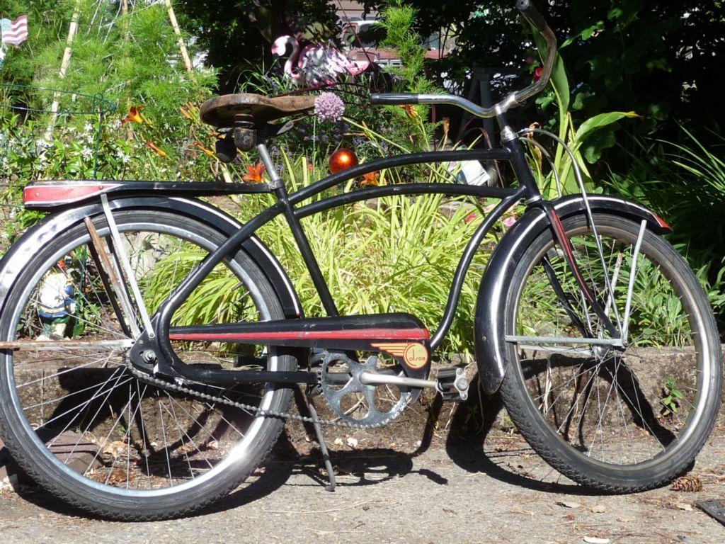 1947 Colson Looptail # 1.JPG