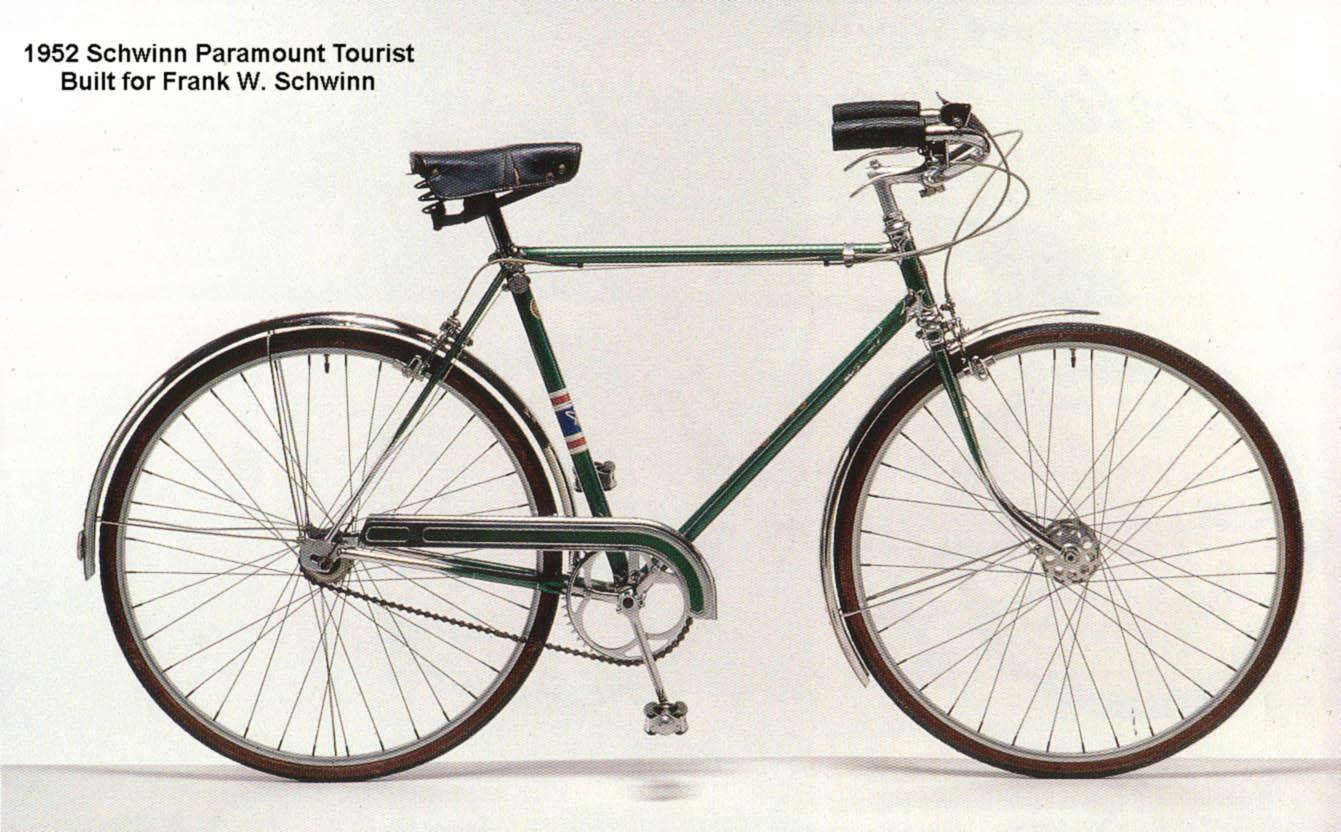 1952 Paramount Tourist.jpg