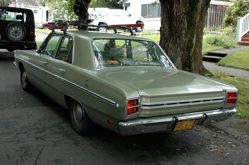 1969+Dodge+Dart+Custom+4+door+sedan+fourth+generation+2.jpg