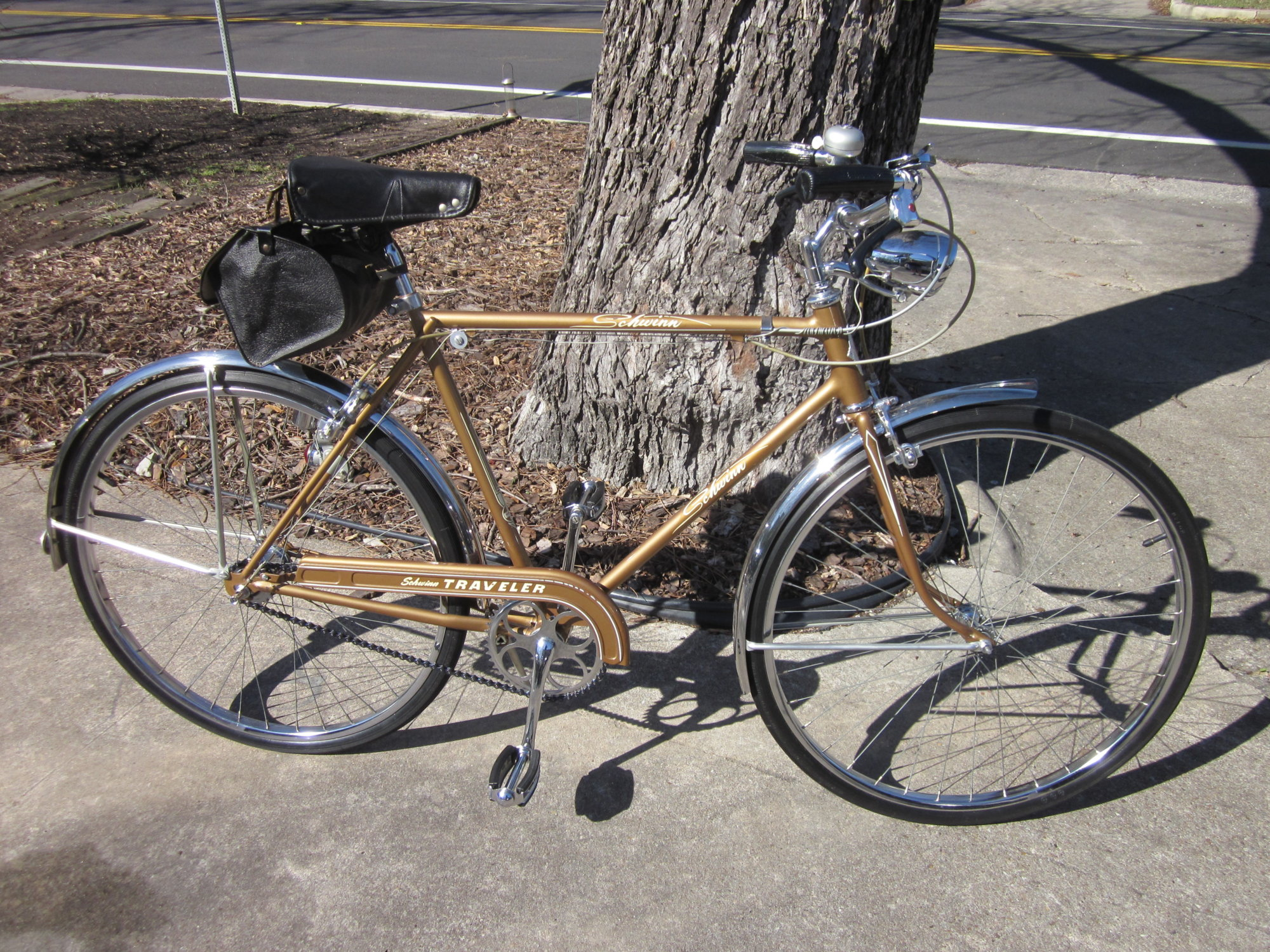 46e7944a220 A friend is trying to learn the name of the color of this beautiful 1957  Schwinn Traveler. Any ideas? Thanks for the help!