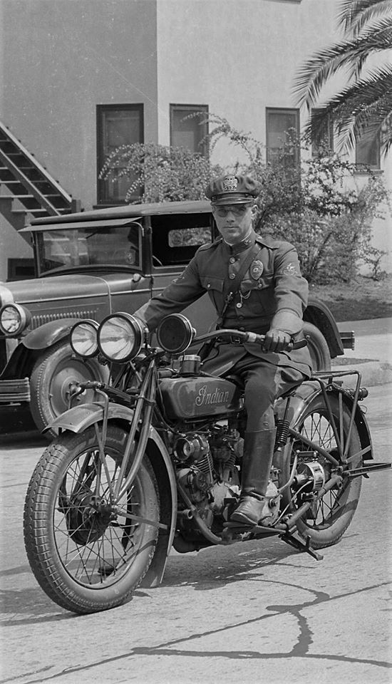 vintage police motorcycle pictures  Police Motorcycle pictorial | The Classic and Antique Bicycle Exchange
