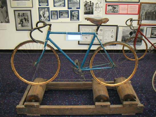 antique_bicycle_on_antique_rollers_in_us_bicycling_hall_of_fame.jpg