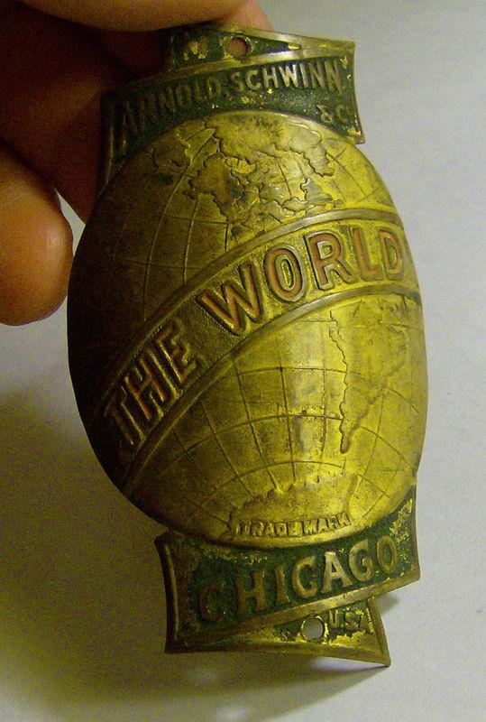 Badge-Schwinn-World.jpg