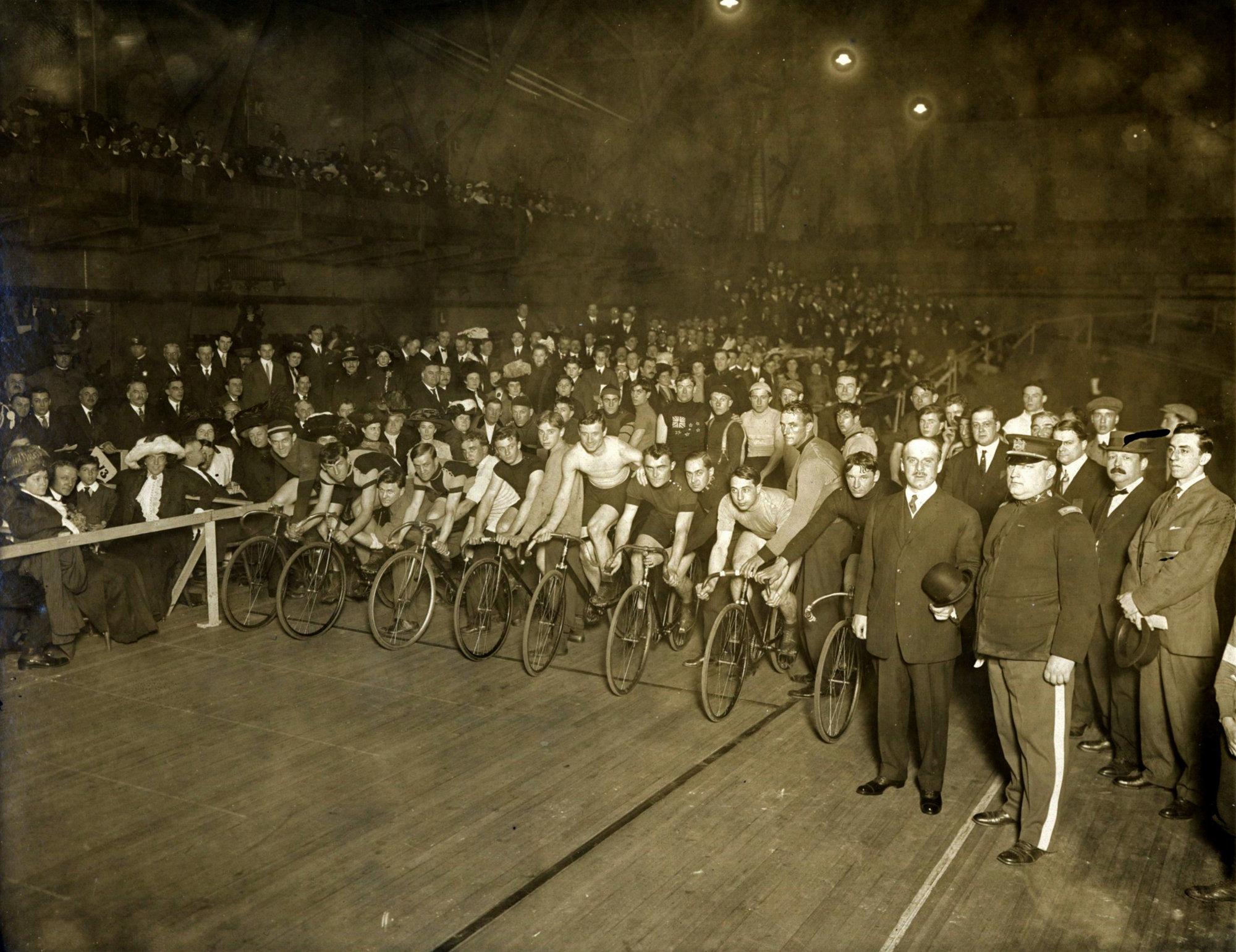 Bicycle_Races_Newark_Nutley_NJ833-001.jpg