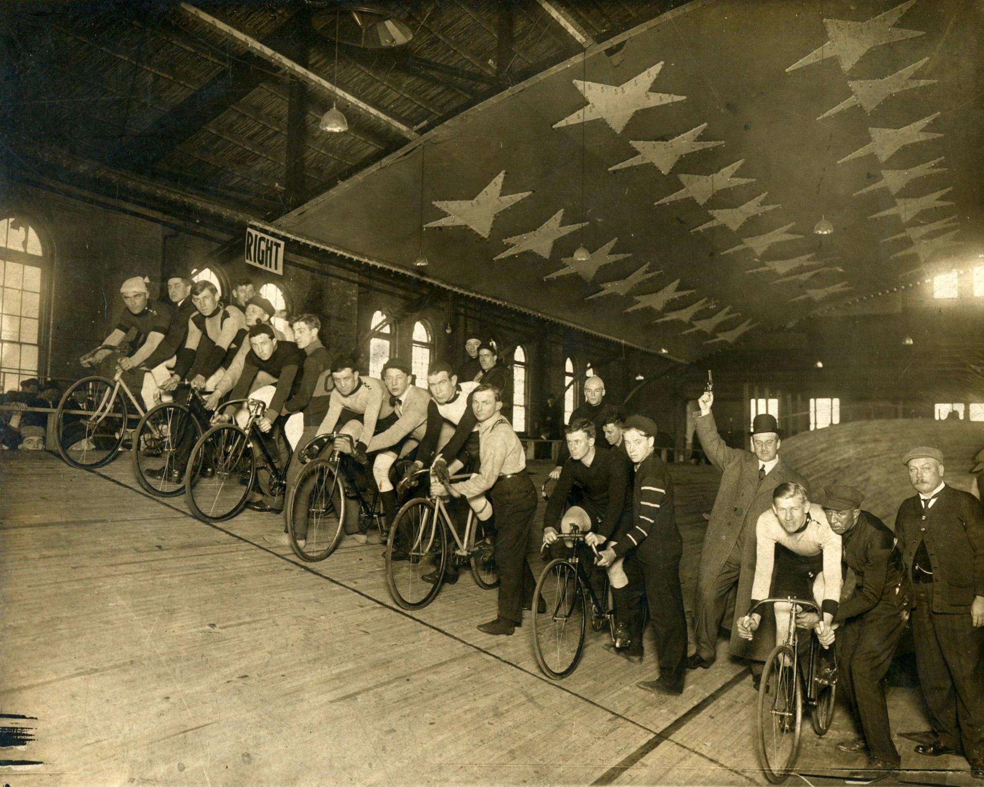 Bicycle_Races_Newark_Nutley_NJ836-002.jpg