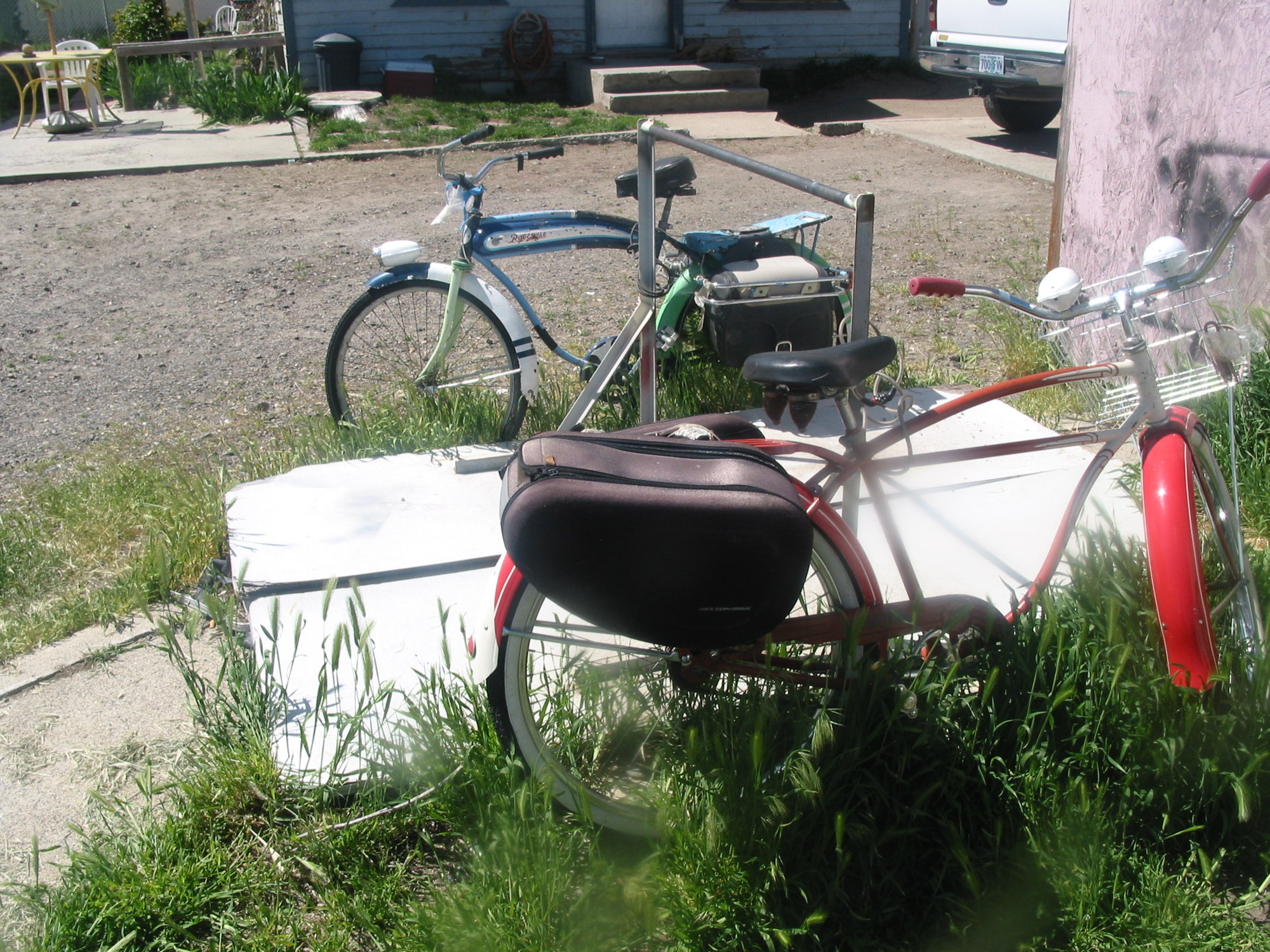 Bike hitching (1).JPG
