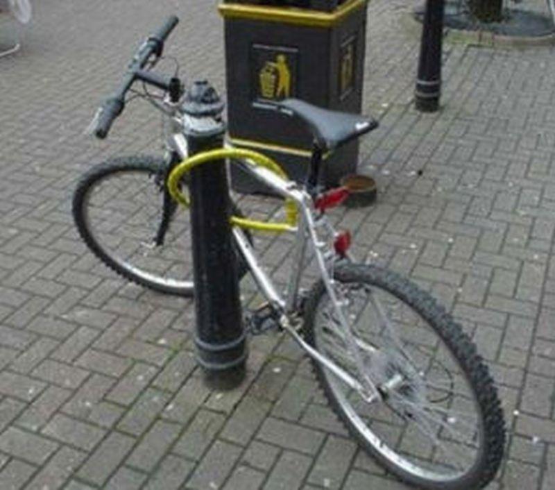 bike_locked_not.jpg