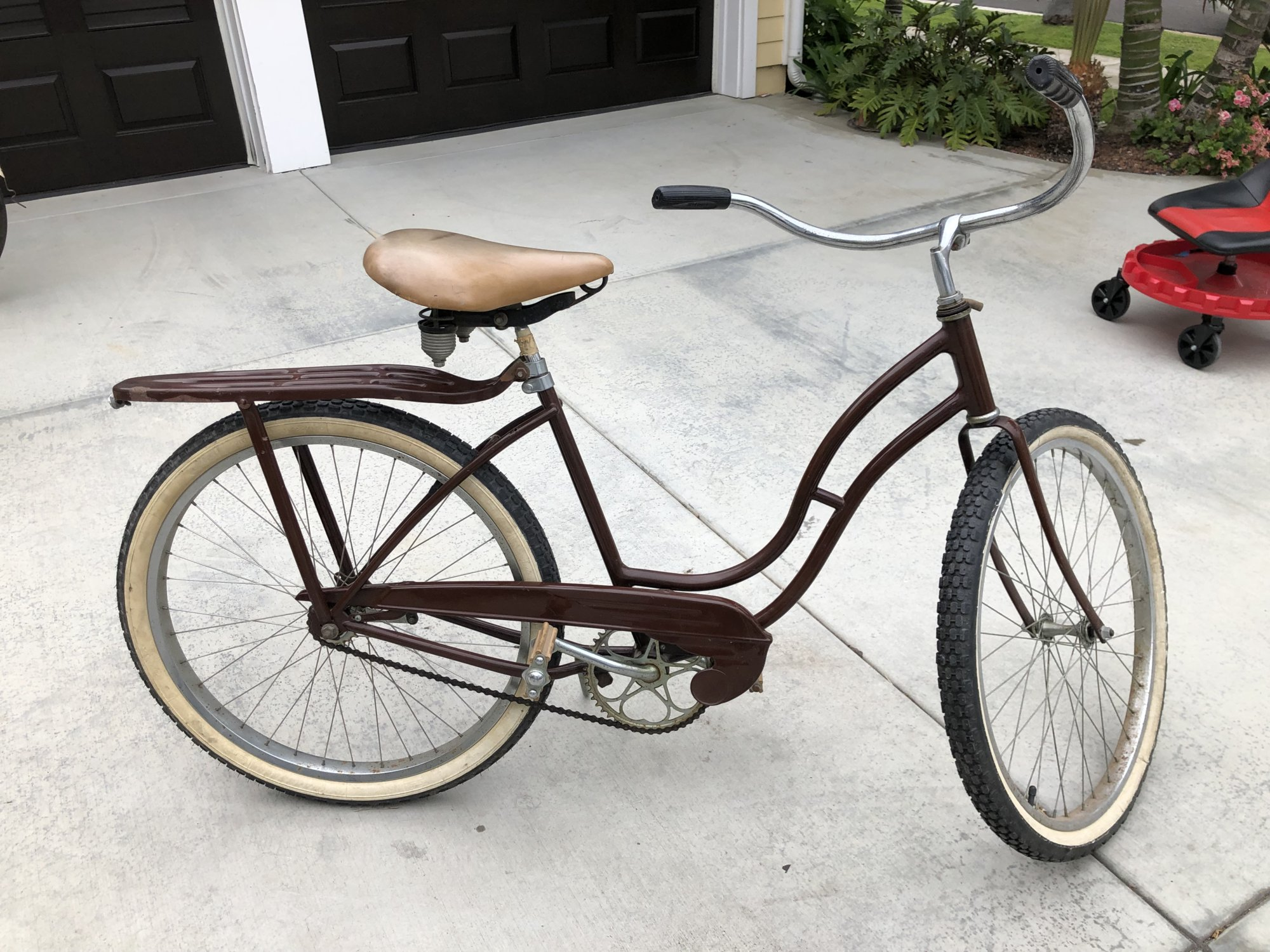 Brown Schwinn 1.jpg