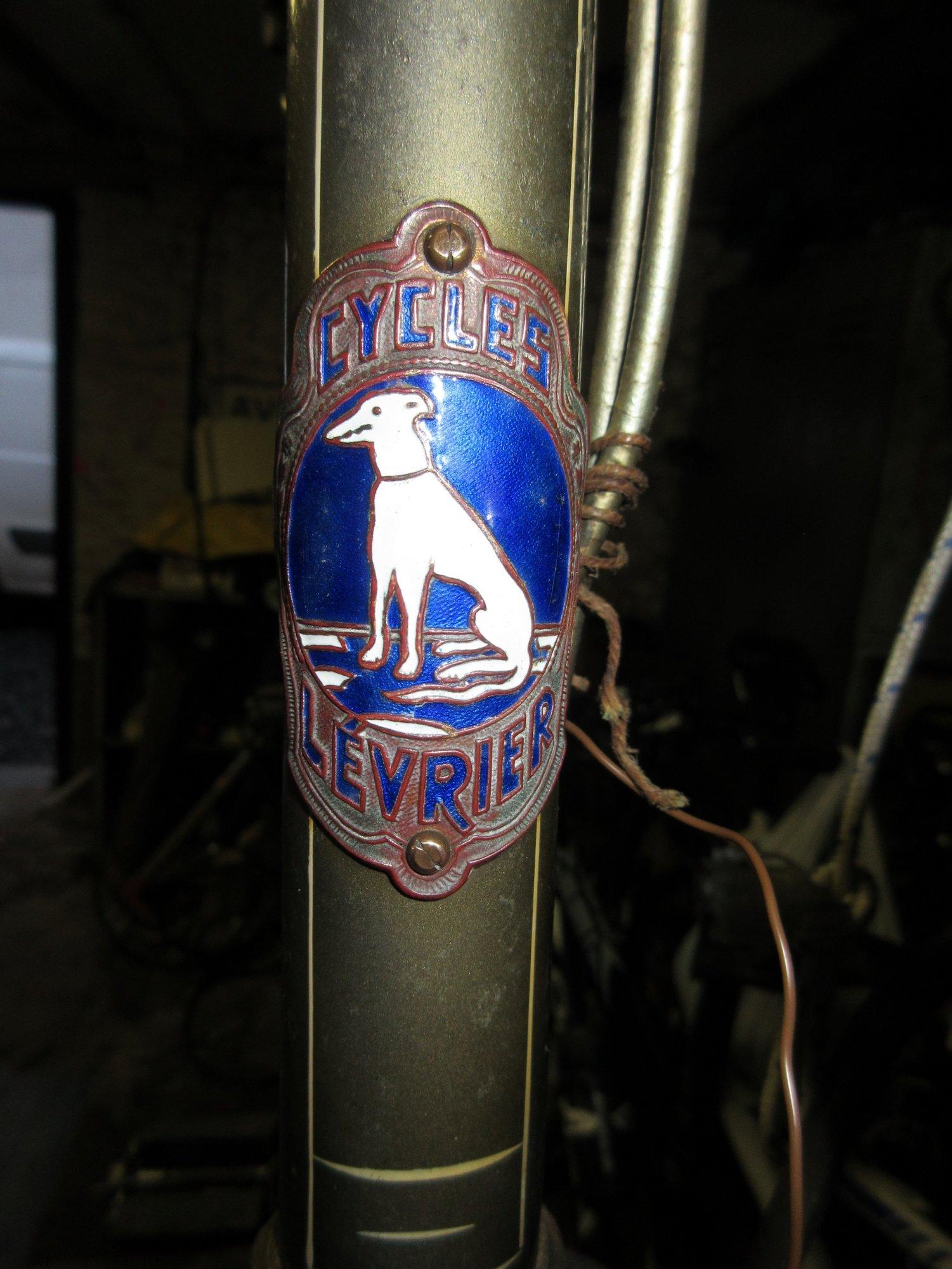 Cycles Levrier headplate, Belgium  .jpg