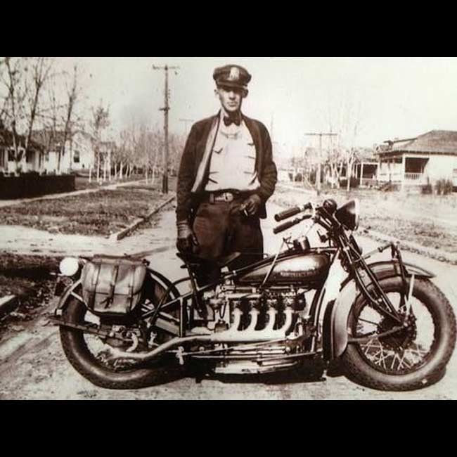 d67b66eee1886d318dea0b4dd929b50c--antique-motorcycles-indian-motorcycles.jpg