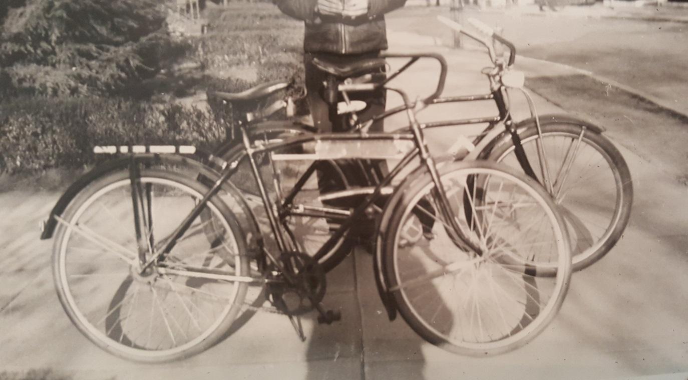 Dads bike1939.jpg