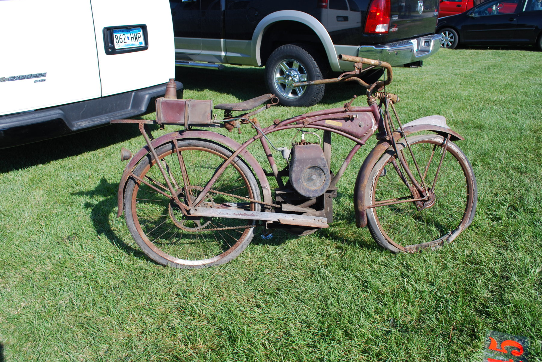 Homemade motorized bicycles the classic and antique for Motorized bicycle repair shop