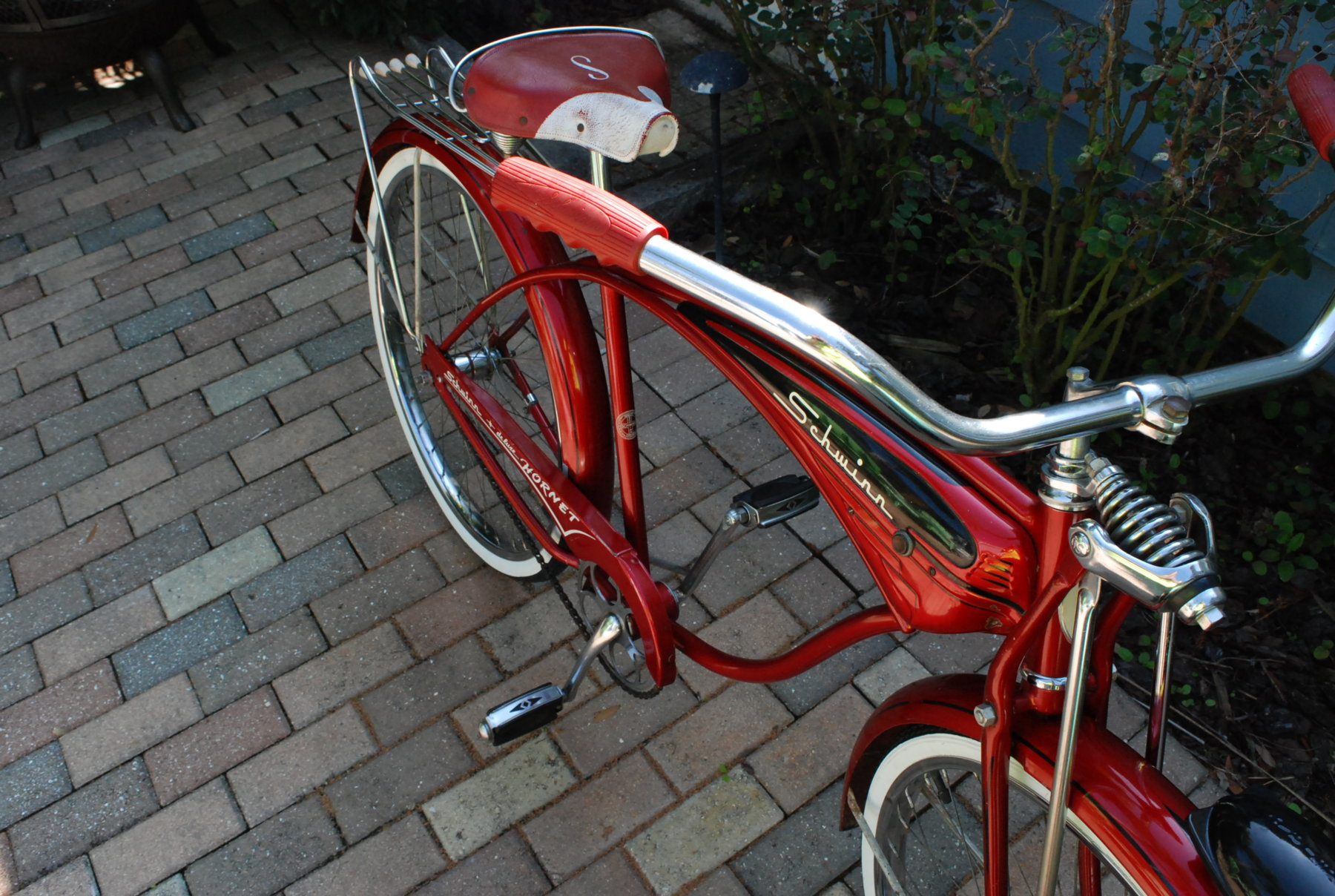Sold Fs 1960 Schwinn Deluxe Hornet The Classic And