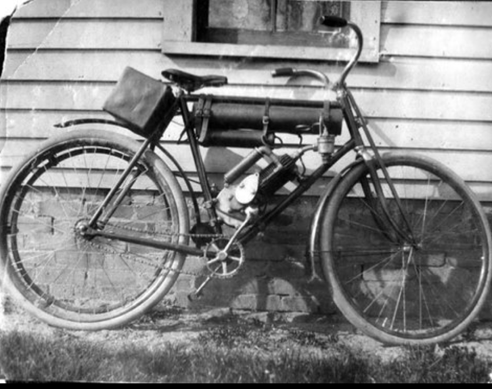 Early Motorized bicycle 2.png