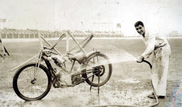 frank varey hosing down his scott.jpg