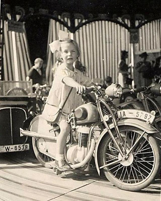 Funny Vintage Photos of Children Riding on Motorbikes (2).jpg