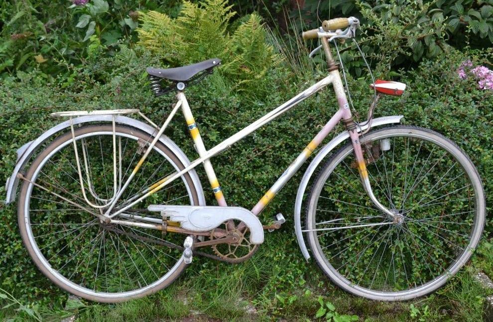 Garage Indesteege bicycle a) .jpg