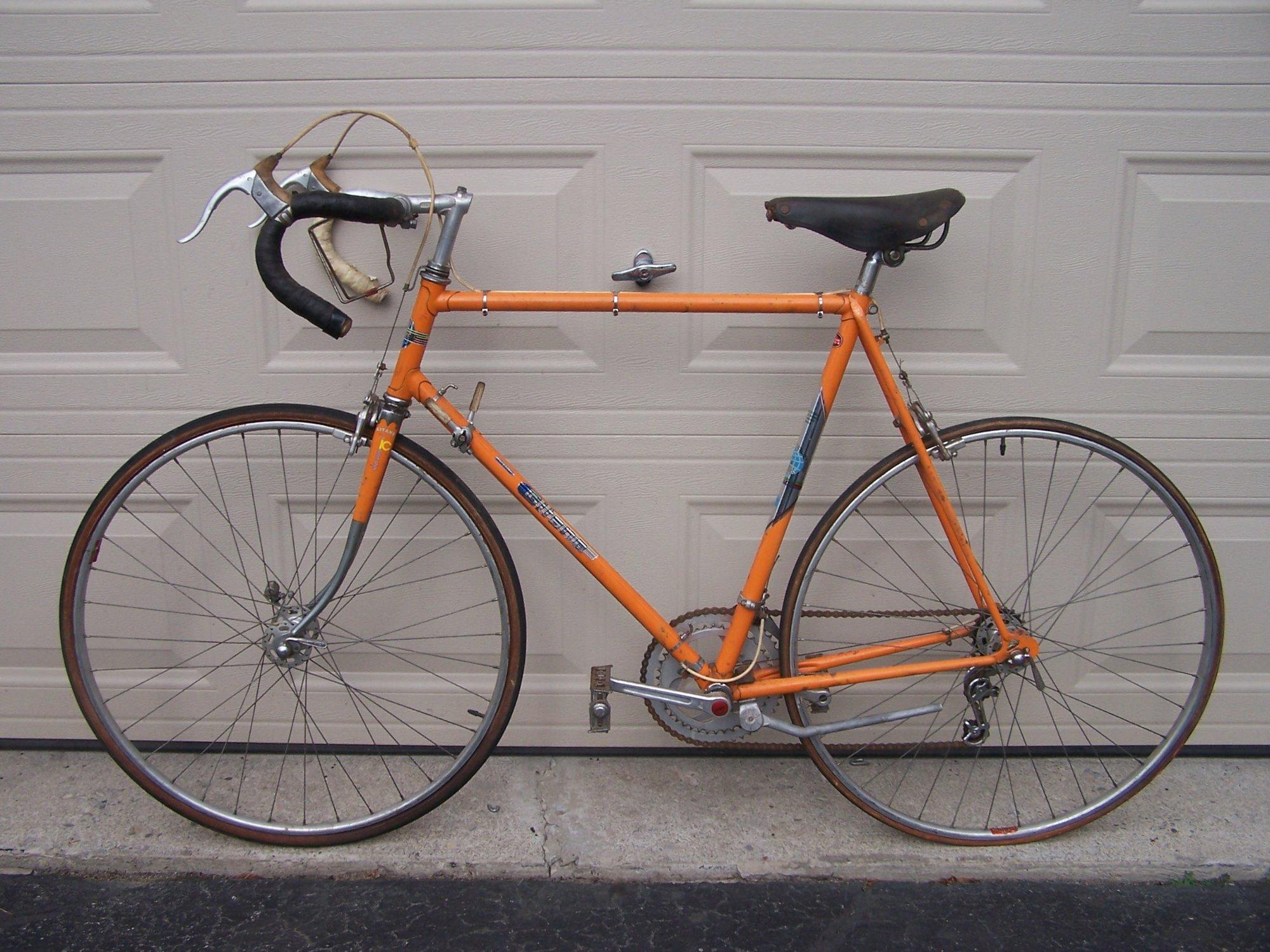 Gitane Interclub, orange a)  .jpg
