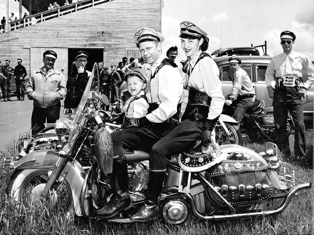 Harley_Davidson_History_07_1024x768.jpg