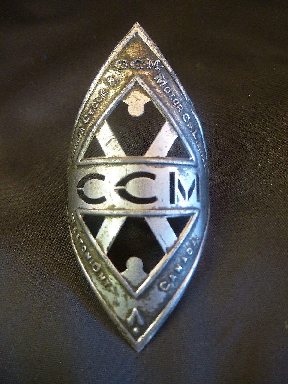 head badge off ebay.jpg