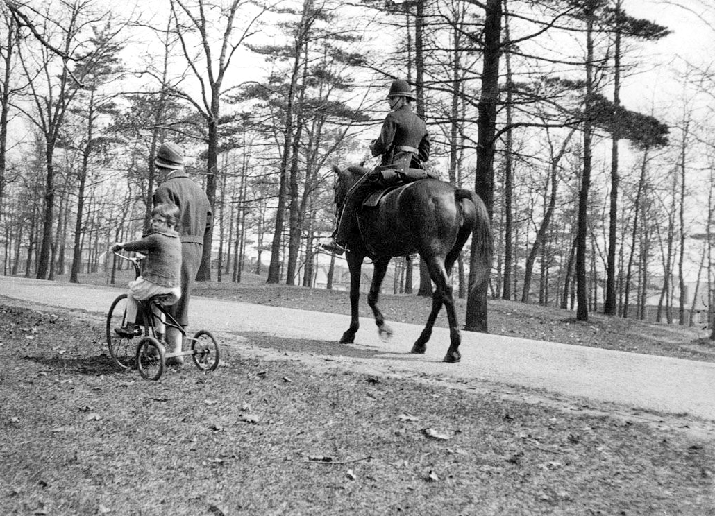 High Park - mounted policeman and woman, May 2, 1926.jpg