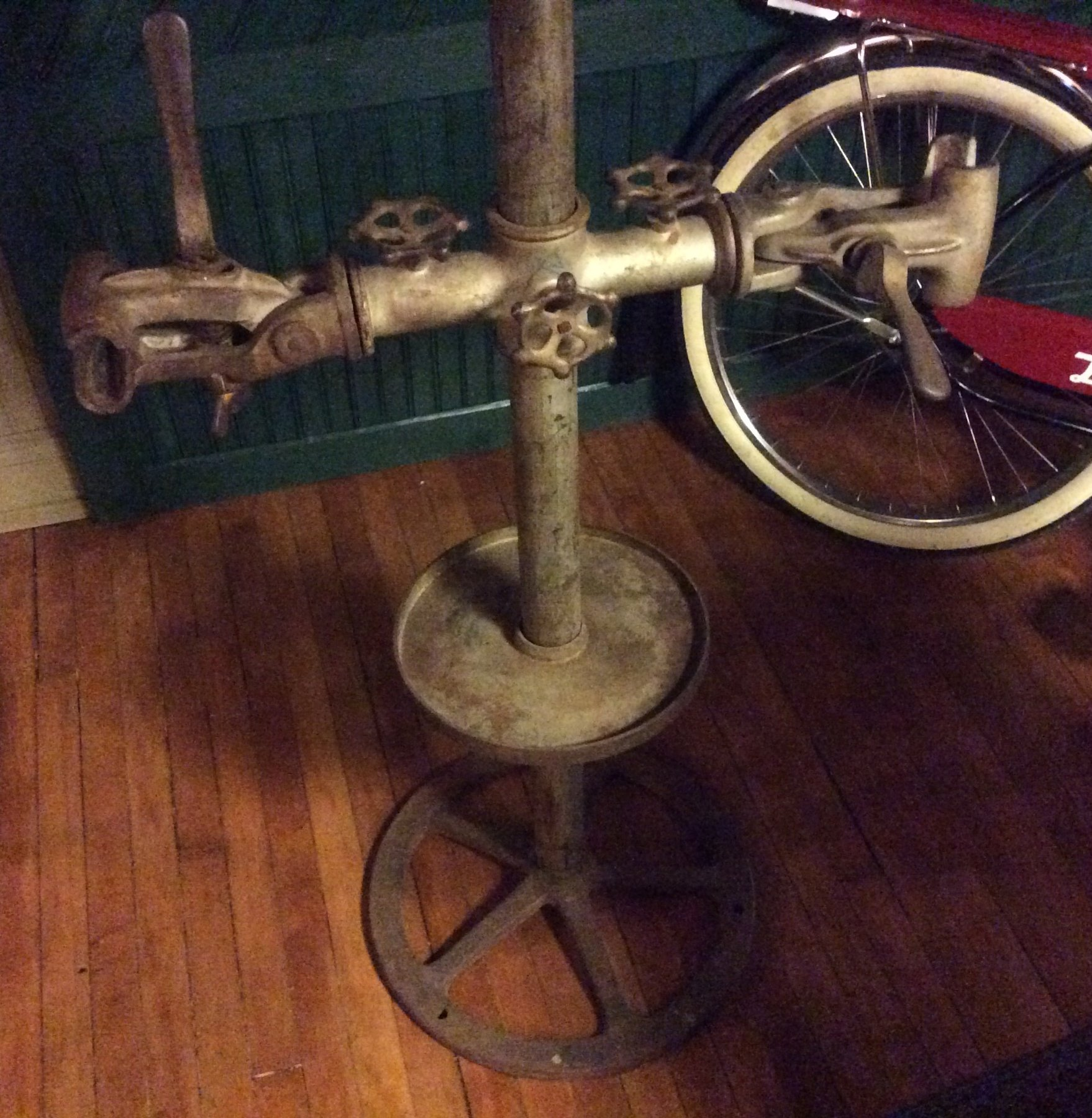 Eldi The Classic Bike Repair Stand | The Classic and Antique Bicycle