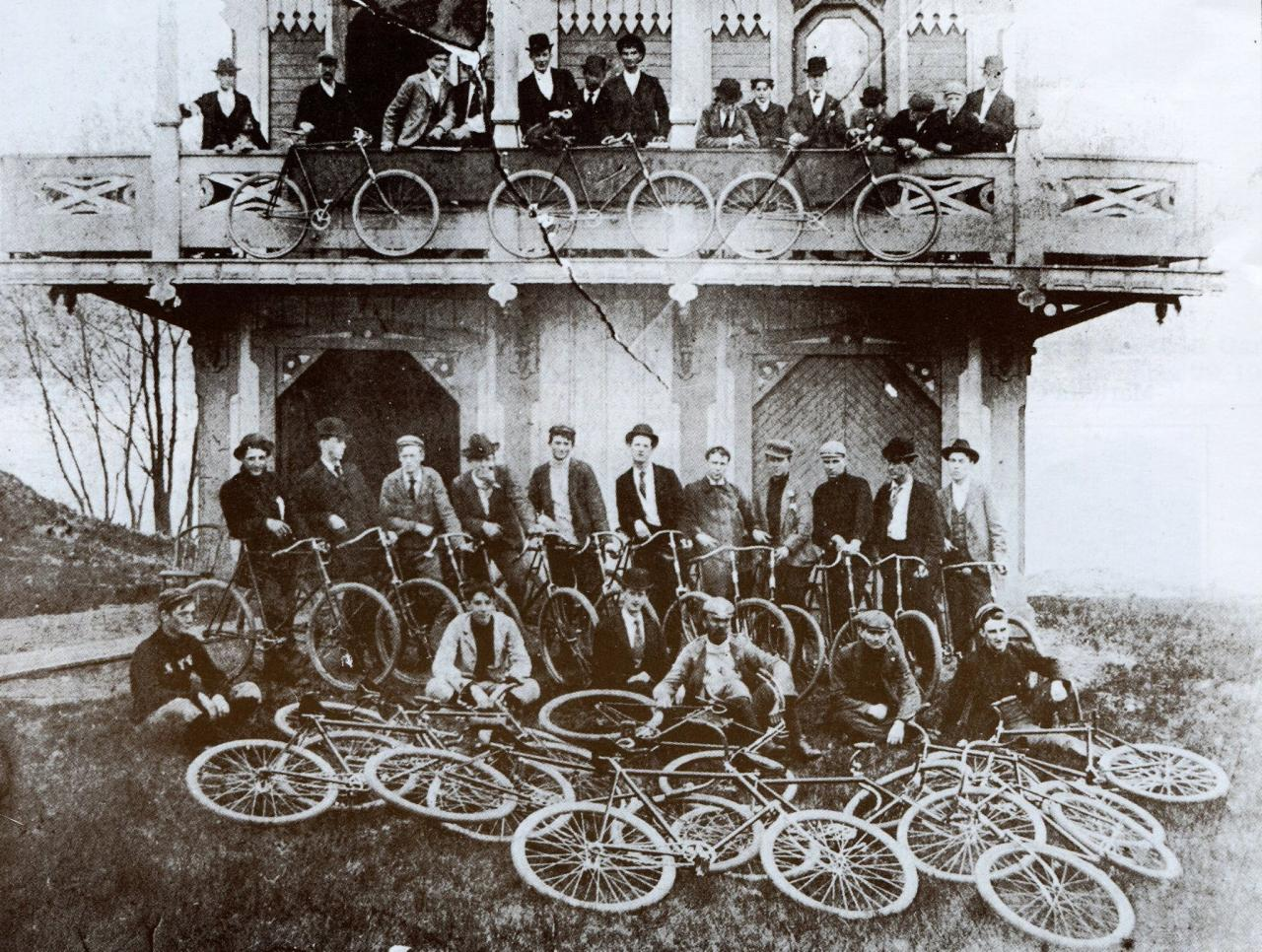 Marietta Cycling Club 1900 at boathouse Muskingum Pk.jpg