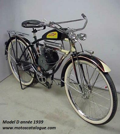 Model-D-1939-noire-creme-whizzer-01-.jpg