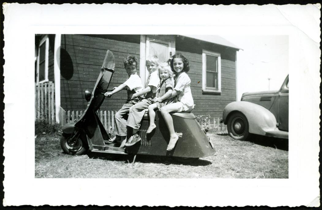 moto-cushman-kids.jpg