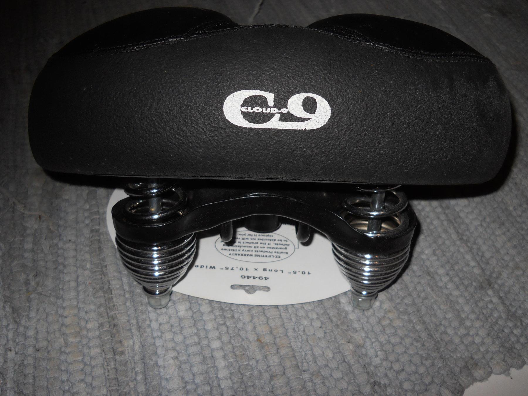 new black seat 005.JPG