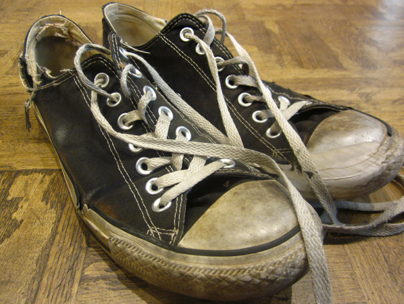 Ratty converse.png