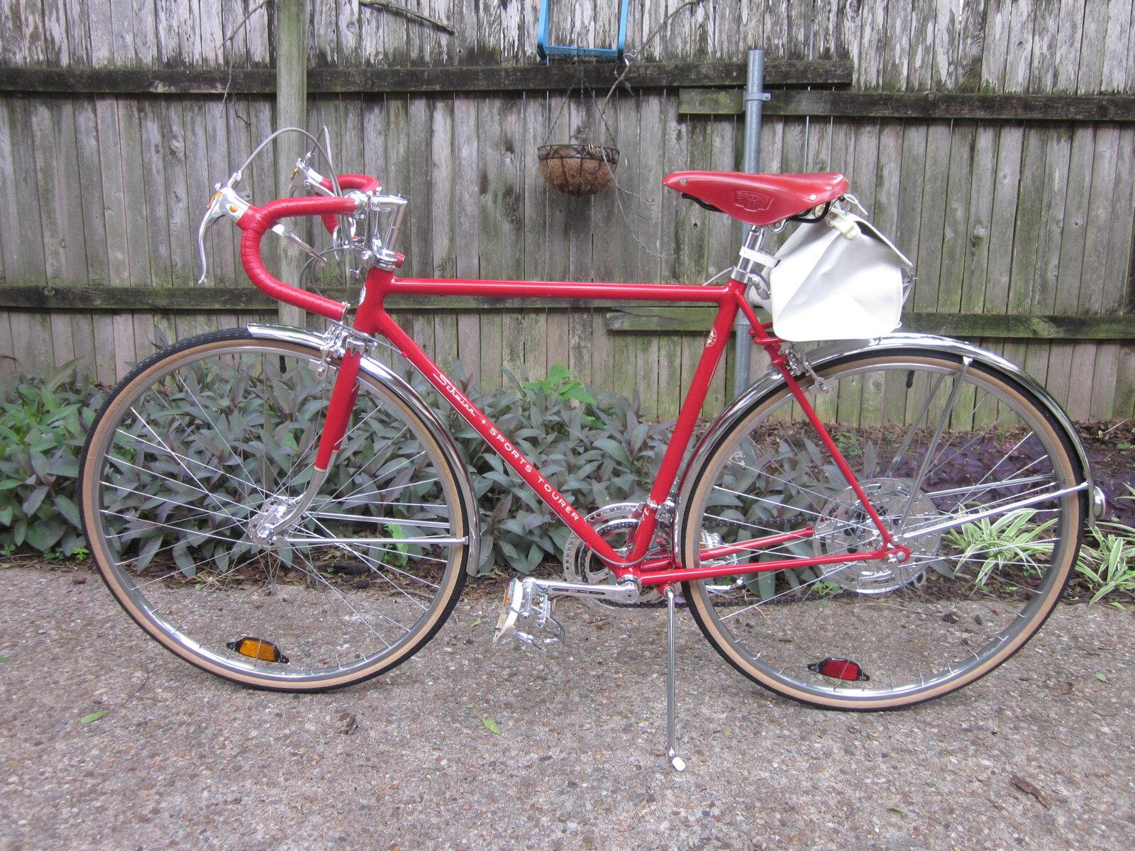 Red Brooks and bikes 021.JPG
