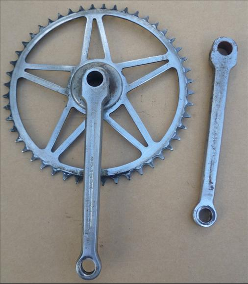 Solida chainset with threaded on c:w .jpeg