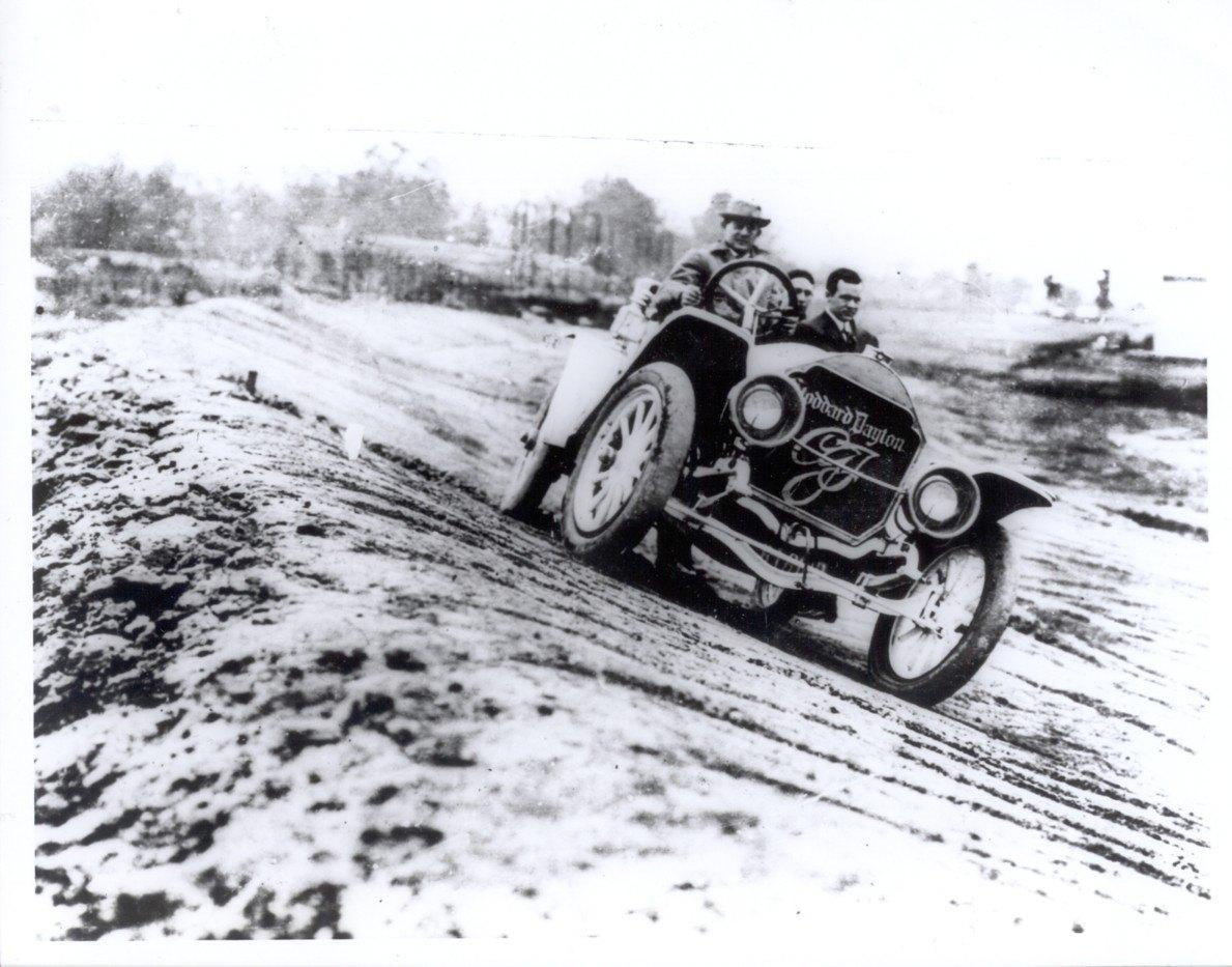 stoddard-dayton-indy-500-pace-car-1911.jpg