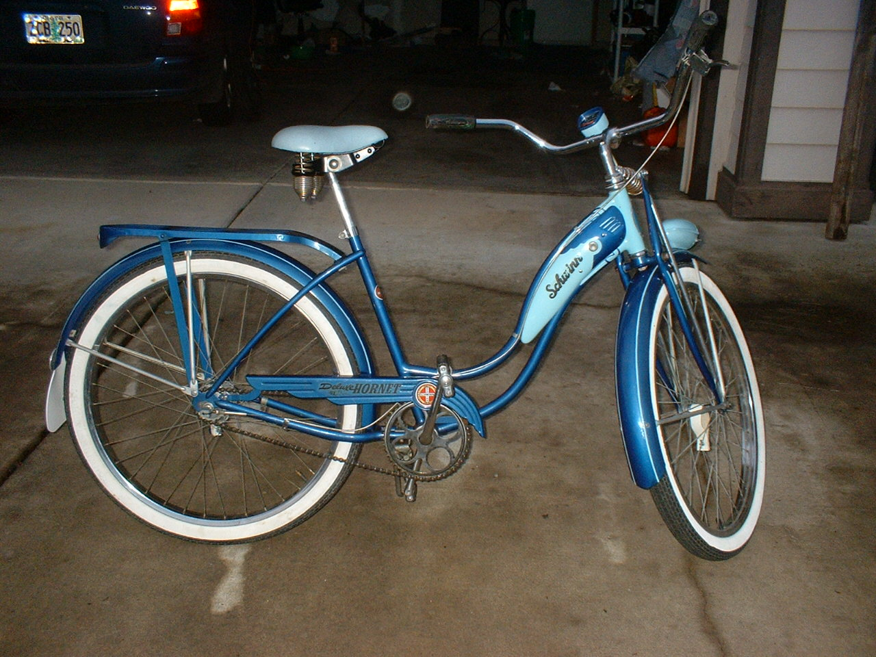 Tia's bike 001.jpg
