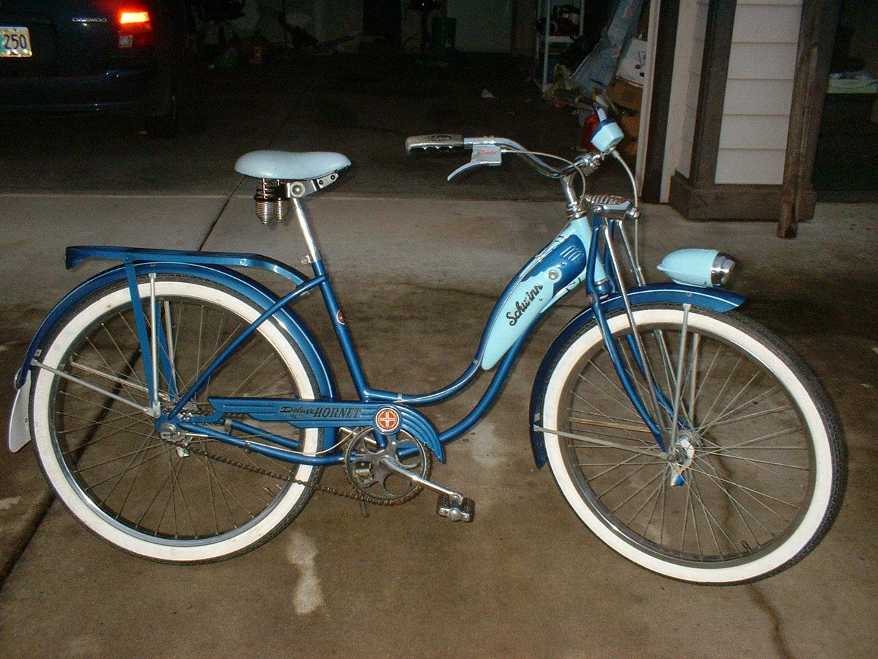 Tia's bike 003.jpg