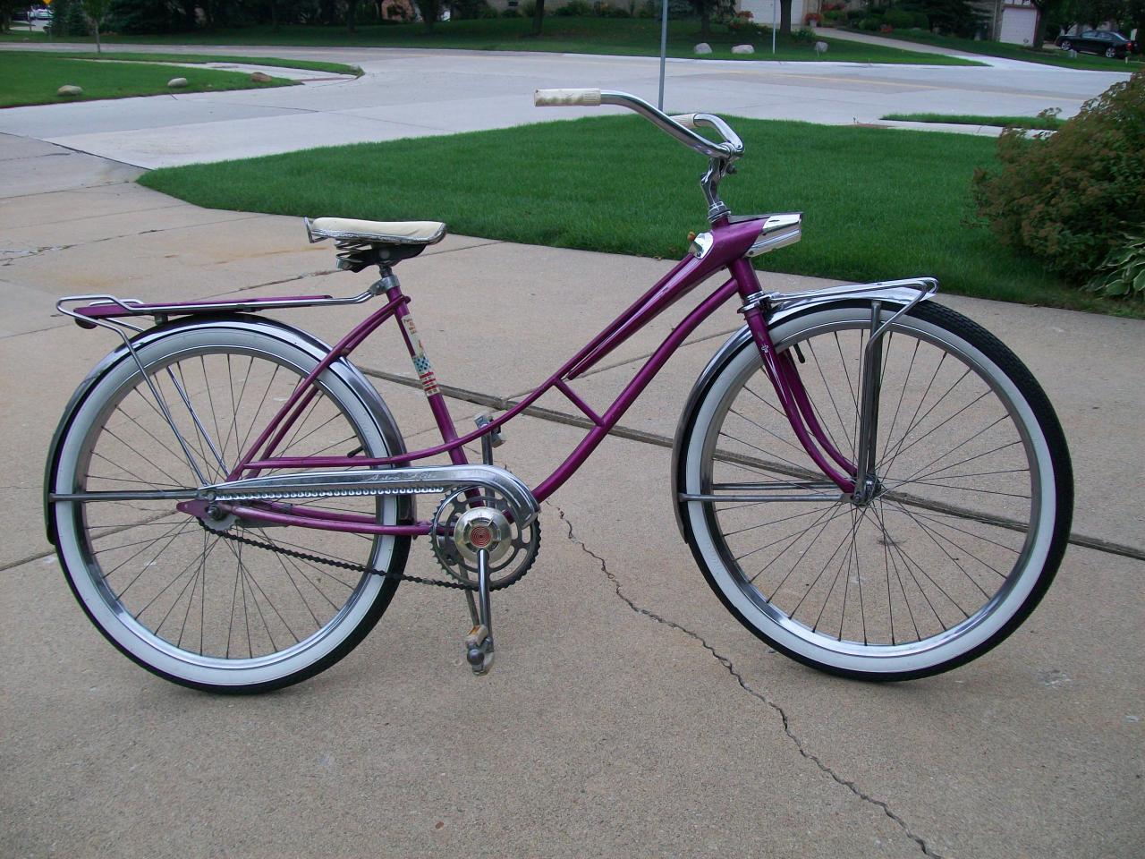 Trevor & bikes 005.jpg
