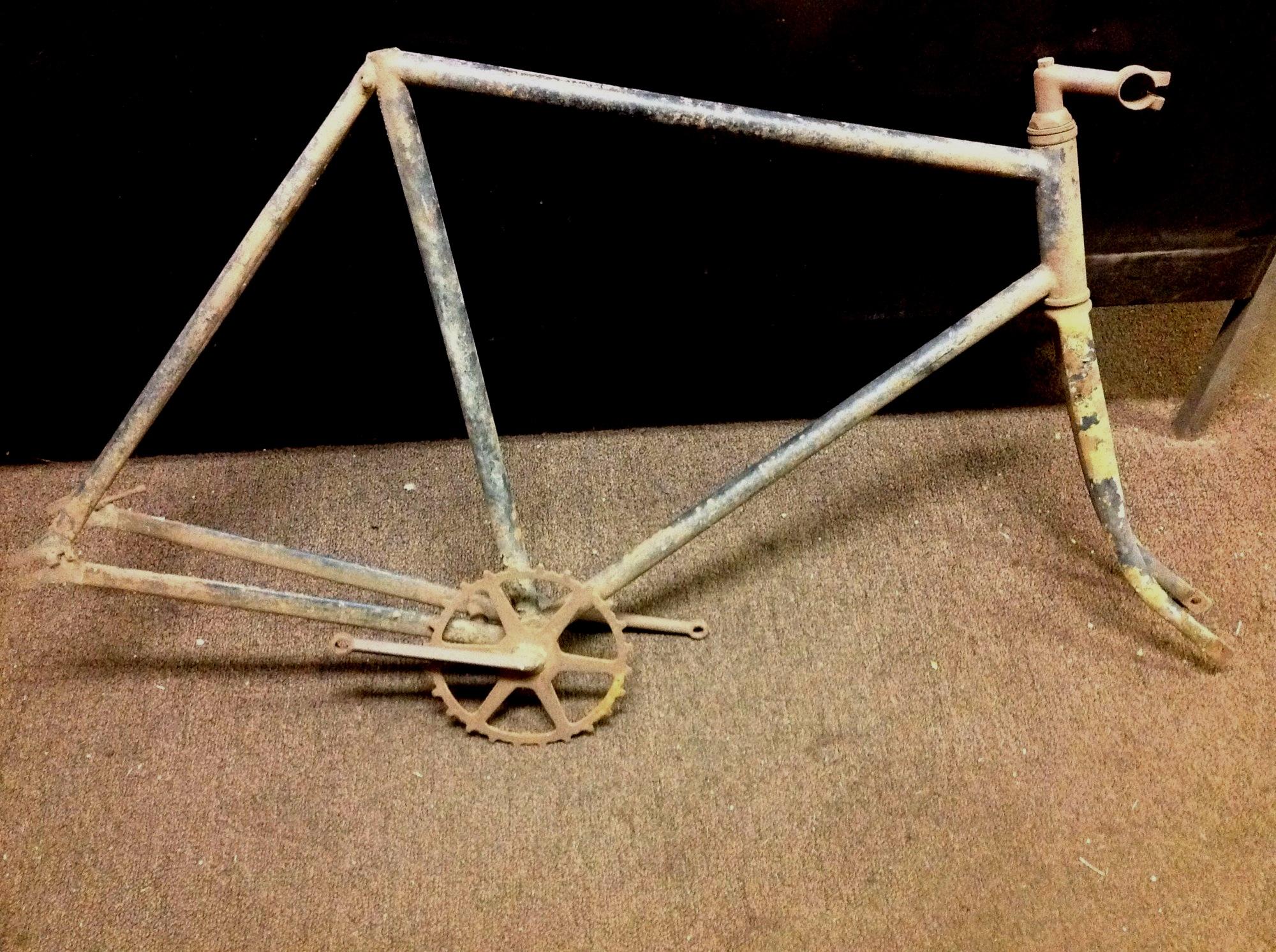 unknown_bike    HEAD TUBE 01.jpg