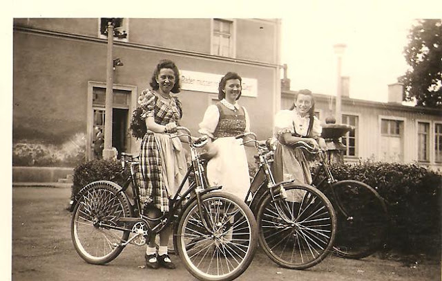 Vintage Photos of Ladies with Bicycles (30).jpg
