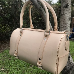 natural saddle leather bag